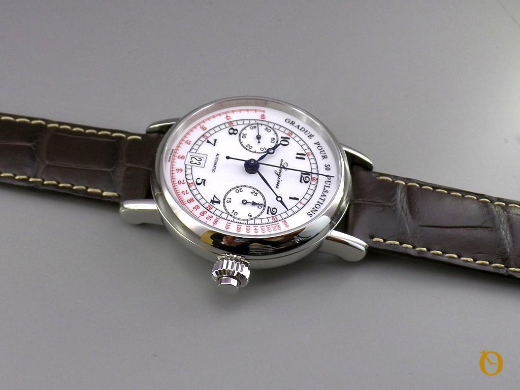 Pulsometer Chronograph fotografato lato corona
