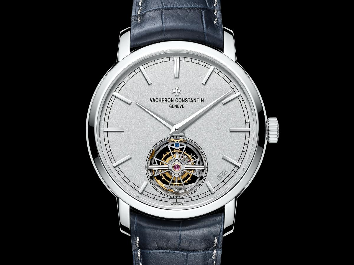 Vacheron constantin overseas tourbillon  копии часов vacheron constantin обладают такими же характеристиками и дизайном, как и оригинал.