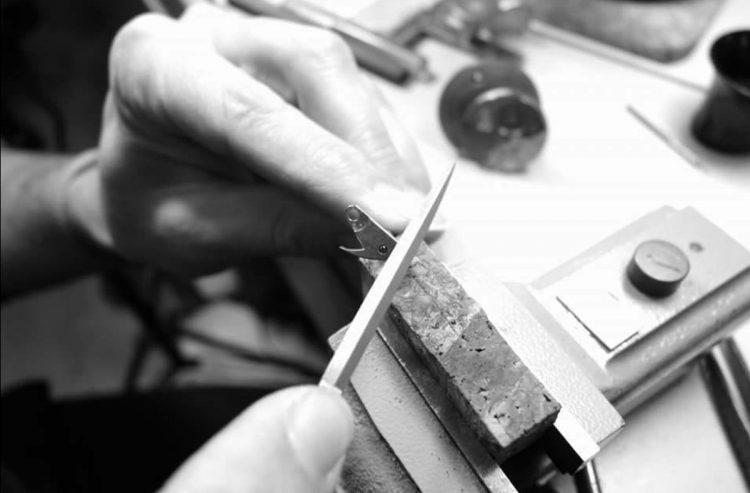 lavorazione a mano Atelier de Chronométrie AdC#4